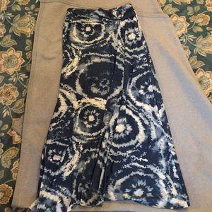 Woman's maxi skirt